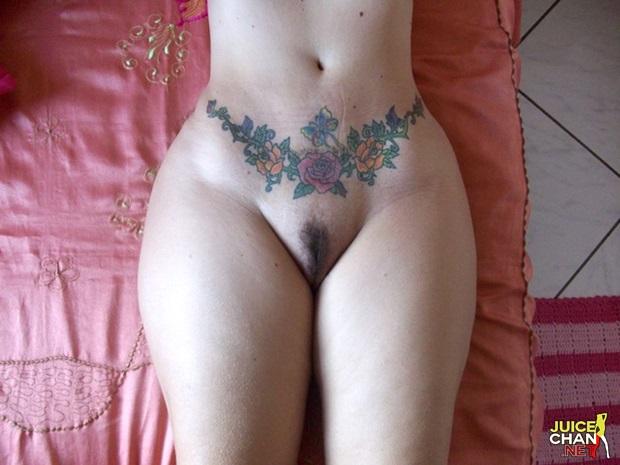 Fotos Amadora Da Esposa Tatuada e Toda Gostosa Caiu Na Net