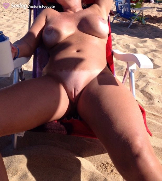 Coroa Bucetuda Pelada Na Praia Carioca