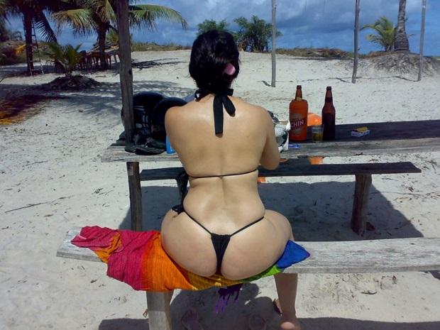 Fotos Amadoras Da Esposa Do Corno Na Praia