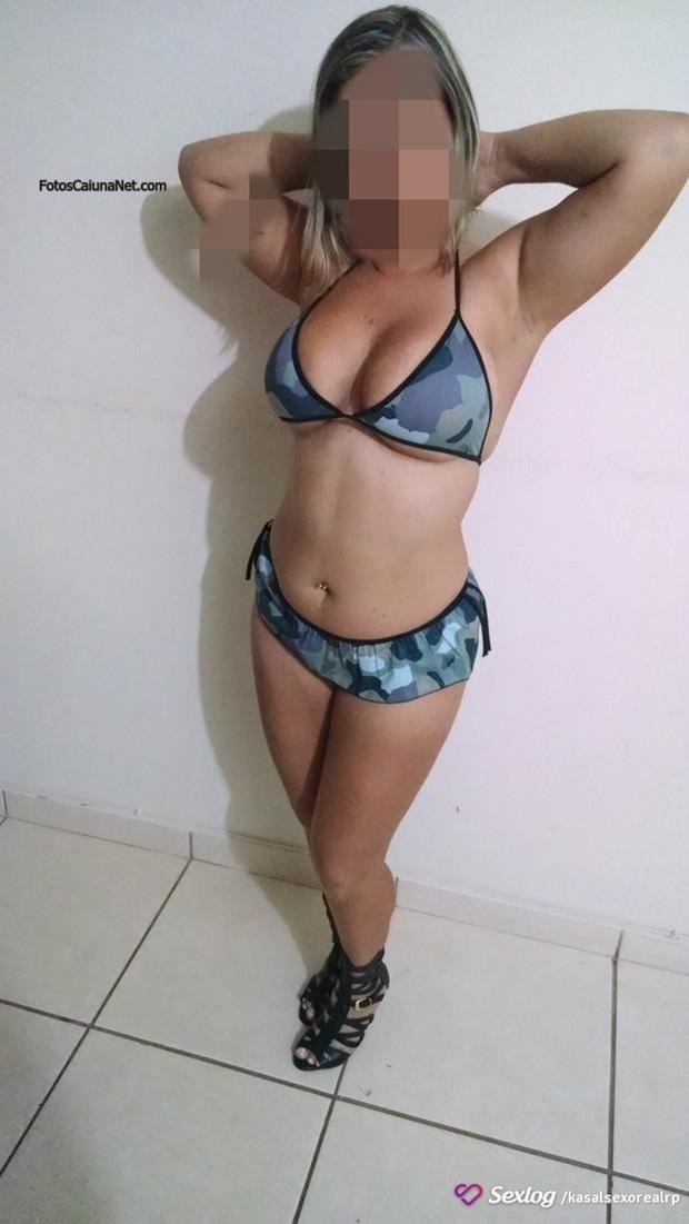 Esposa Boazuda Dos Peitos Naturais Fazendo Troca De Casais