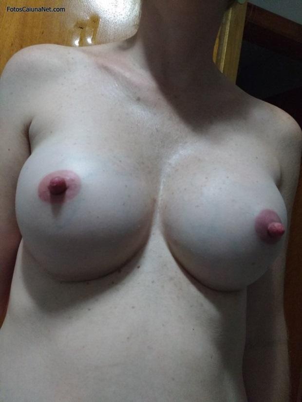 Fotos Da Namorada Branquinha Dos Peitos Siliconados e Do Rabo Grande