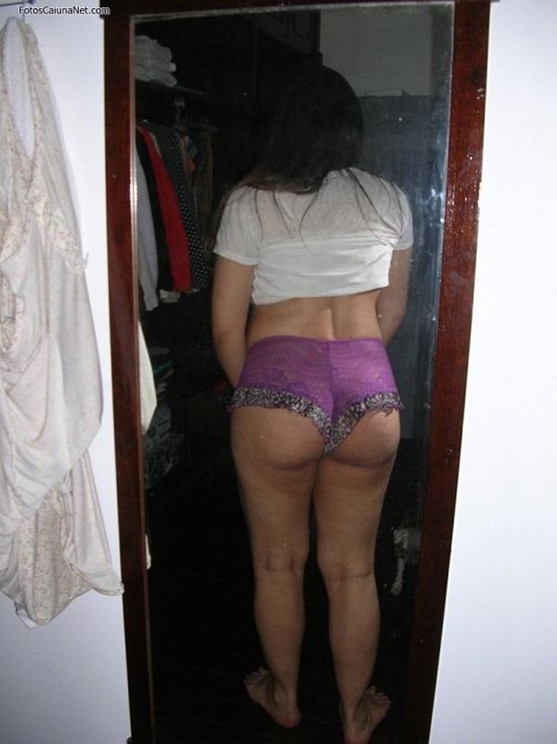 Marido Tirou Fotos Da Esposa Ninfeta De Quatro Exibindo o Rabão