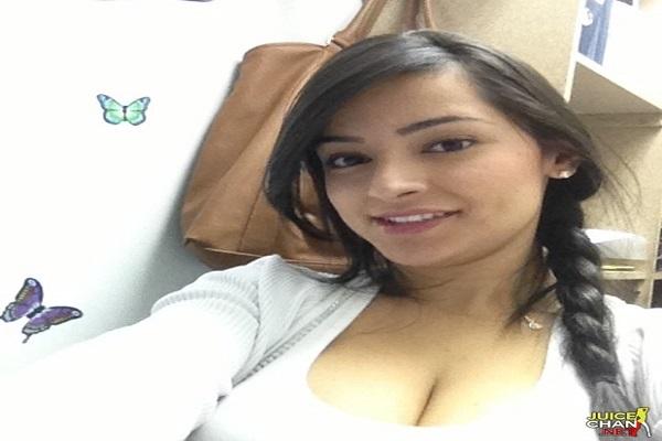 Morena Linda Caiu Na Net Mostrando a Buceta Molhadinha