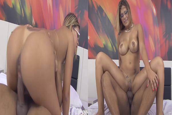 anny-lee-brasileira-gostosa-levando-muita-rola-na-buceta