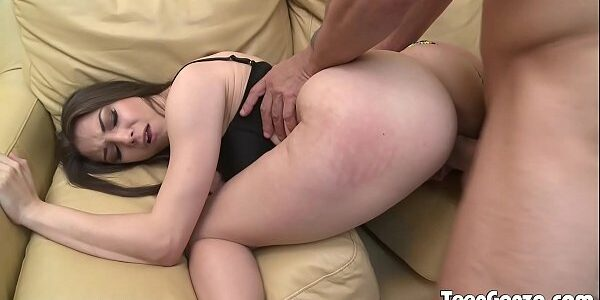 Sexo com branquinha rabuda bem gostosa